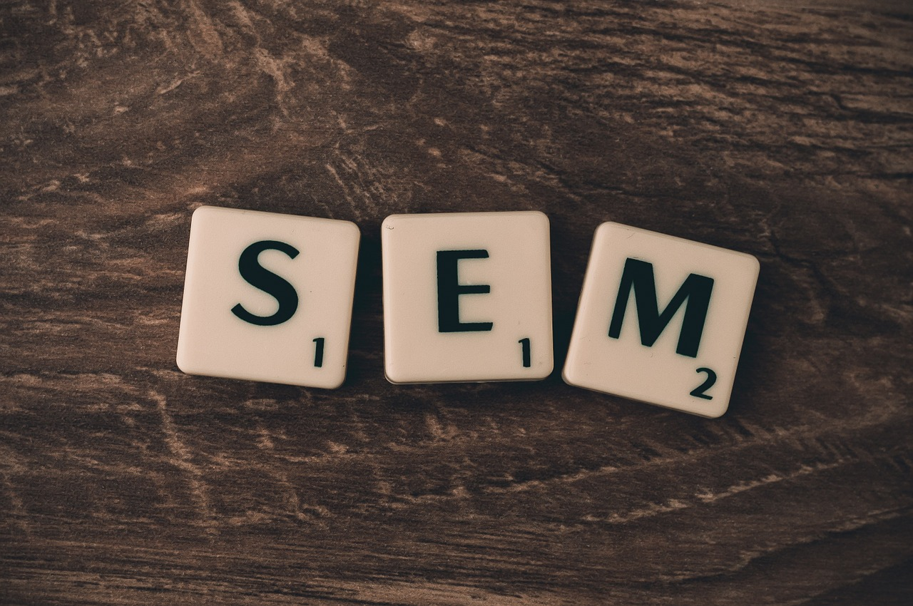 is SEM better than SEO?